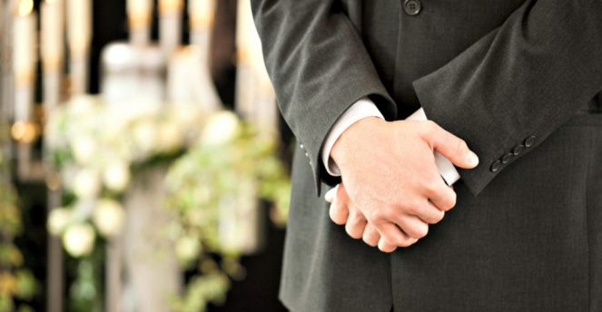 How Funeral Directors Can Help You When You Need It Most