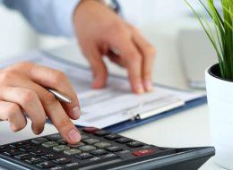 What Is The Difference Between Invoice Factoring