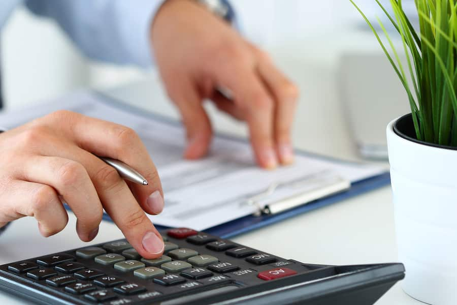 What Is The Difference Between Invoice Factoring & Invoice Financing?
